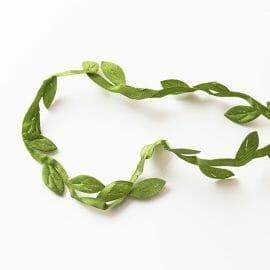 girlanda-z-listkov-zelena